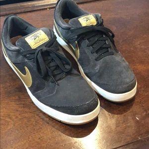 Nike SB 10.5
